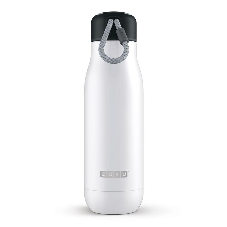 Термос Zoku 500 мл белый ZK142-WTТермосы<br>Термос Zoku 500 мл белый ZK142-WT<br><br><br>Двойные вакуумные стенки Вакуум и толстые стенки из нержавеющей стали поддерживают температуру горячих напитков до 12, а холодных – до 40 часов, поэтому любимые напитки всегда будут доступны в течение дня. При этом бутылку можно спокойно держать в руках без риска обжечься.   Гигиеничное горлышко Узкое горлышко создано специально для питья, вам не потребуются дополнительные стаканы или емкости. Гладкая полированная поверхность легко очищается за считанные секунды и не накапливает на себе бактерии и грязь благодаря тому, что резьба для крышки спрятана внутри. Даже если вы находитесь на активном отдыхе или занимаетесь спортом, ваша бутылка всегда остается чистой и гигиеничной.  Паракорд для переноски Шнур на крышке бутылки называется «паракордом» и позволяет вам брать её с собой, куда бы вы ни направлялись: держите её в руках, несите за ремешок или же прикрепите к снаряжению. Шнур легко вынимается при необходимости, просто потяните защитную крышку вверх.   Нержавеющая сталь  Высокое качество нержавеющей стали 18/8 делает термобутылку особенно прочной: она устойчива к коррозии, не разрушается и не впитывает запахи. Бутылка будет служить долго и не потребует замены деталей. Используемая сталь полностью пригодна для пищевых продуктов, не содержит фталатов и бисфенола-А.   Открывается одним движением Чтобы закрутить или открутить крышку, достаточно всего одного оборота, что очень удобно, если вы на ходу или за рулем. Крышка с силиконовой вставкой полностью герметична, поэтому бутылку можно смело убрать в рюкзак, чемодан или сумку, не боясь, что ее содержимое прольется.  Стильный дизайн Привлекательный внешний вид, яркие цвета и качественные материалы делают эту термобутылку идеальным компаньоном для активных и следящих за своим здоровьем людей. Она подчеркнет ваш имидж и добавит ему ярких акцентов. Берите её с собой на прогулки, в спортзал и в любое путешествие, не боясь, что ваши напи