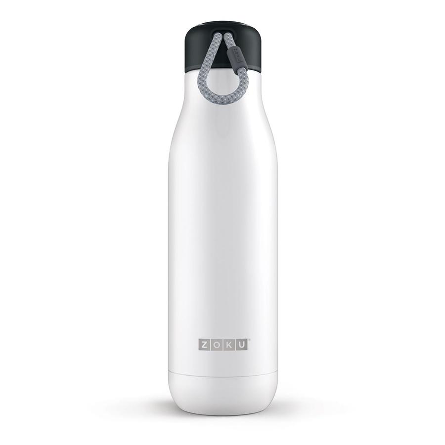 Термос Zoku 750 мл белый ZK143-WTТермосы<br>Термос Zoku 750 мл белый ZK143-WT<br><br><br>Двойные вакуумные стенки Вакуум и толстые стенки из нержавеющей стали поддерживают температуру горячих напитков до 15, а холодных – до 70 часов, поэтому любимые напитки всегда будут доступны в течение дня. При этом бутылку можно спокойно держать в руках без риска обжечься.   Гигиеничное горлышко Узкое горлышко создано специально для питья, вам не потребуются дополнительные стаканы или емкости. Гладкая полированная поверхность легко очищается за считанные секунды и не накапливает на себе бактерии и грязь благодаря тому, что резьба для крышки спрятана внутри. Даже если вы находитесь на активном отдыхе или занимаетесь спортом, ваша бутылка всегда остается чистой и гигиеничной.  Паракорд для переноски Шнур на крышке бутылки называется «паракордом» и позволяет вам брать её с собой, куда бы вы ни направлялись: держите её в руках, несите за ремешок или же прикрепите к снаряжению. Шнур легко вынимается при необходимости, просто потяните защитную крышку вверх.   Нержавеющая сталь Высокое качество нержавеющей стали 18/8 делает термобутылку особенно прочной: она устойчива к коррозии, не разрушается и не впитывает запахи. Бутылка будет служить долго и не потребует замены деталей. Используемая сталь полностью пригодна для пищевых продуктов, не содержит фталатов и бисфенола-А.   Открывается одним движением Чтобы закрутить или открутить крышку, достаточно всего одного оборота, что очень удобно, если вы на ходу или за рулем. Крышка с силиконовой вставкой полностью герметична, поэтому бутылку можно смело убрать в рюкзак, чемодан или сумку, не боясь, что ее содержимое прольется.  Стильный дизайн Привлекательный внешний вид, яркие цвета и качественные материалы делают эту термобутылку идеальным компаньоном для активных и следящих за своим здоровьем людей. Она подчеркнет ваш имидж и добавит ему ярких акцентов. Берите её с собой на прогулки, в спортзал и в любое путешествие, не боясь, что ваши напит