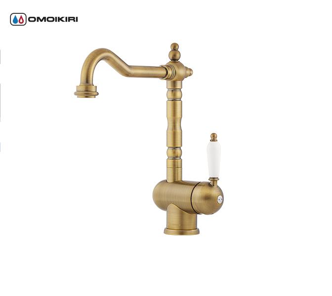 Смеситель для кухни OMOIKIRI Kyoto-A (OKY-AB-35)Классический дизайн<br>Смеситель для кухни OMOIKIRI Kyoto-A (OKY-AB-35)<br><br><br>Классический дизайн и удобство использования, благодаря высокому изливу;<br>Высококачественная латунь без содержания свинца сохранит воду чистой и здоровой;<br>Аэратор произведен из пластика, благодаря чему на нем никогда не появится известкового налета и ржавчины;<br>Коробка внутри проложена поролоном, который обеспечит сохранность изделия при транспортировке;<br>Полный набор креплений, соединительных шлангов, подробная инструкция и гарантийный талон в комплекте.<br><br>Обзор смесителей OMOIKIRI<br><br>Официальный дилер OMOIKIRI™<br>