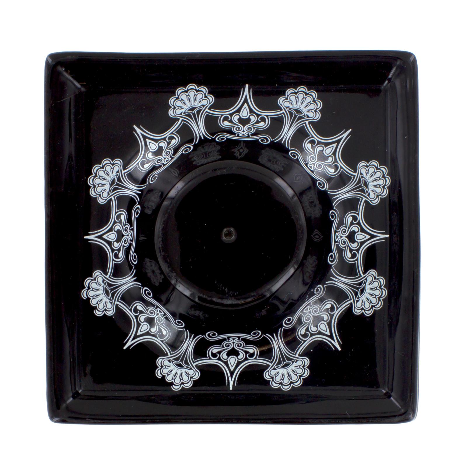 Керамическая пепельница-подставка для благовоний черная (Палочки-благовония)Палочки-благовония<br>Керамическая пепельница-подставка для благовоний черная <br>Подставки для палочек-благовоний декорированы так же, как и линия черно-белых керамических аромаламп Ashleigh &amp; Burwood из серии «Простая керамика»<br>