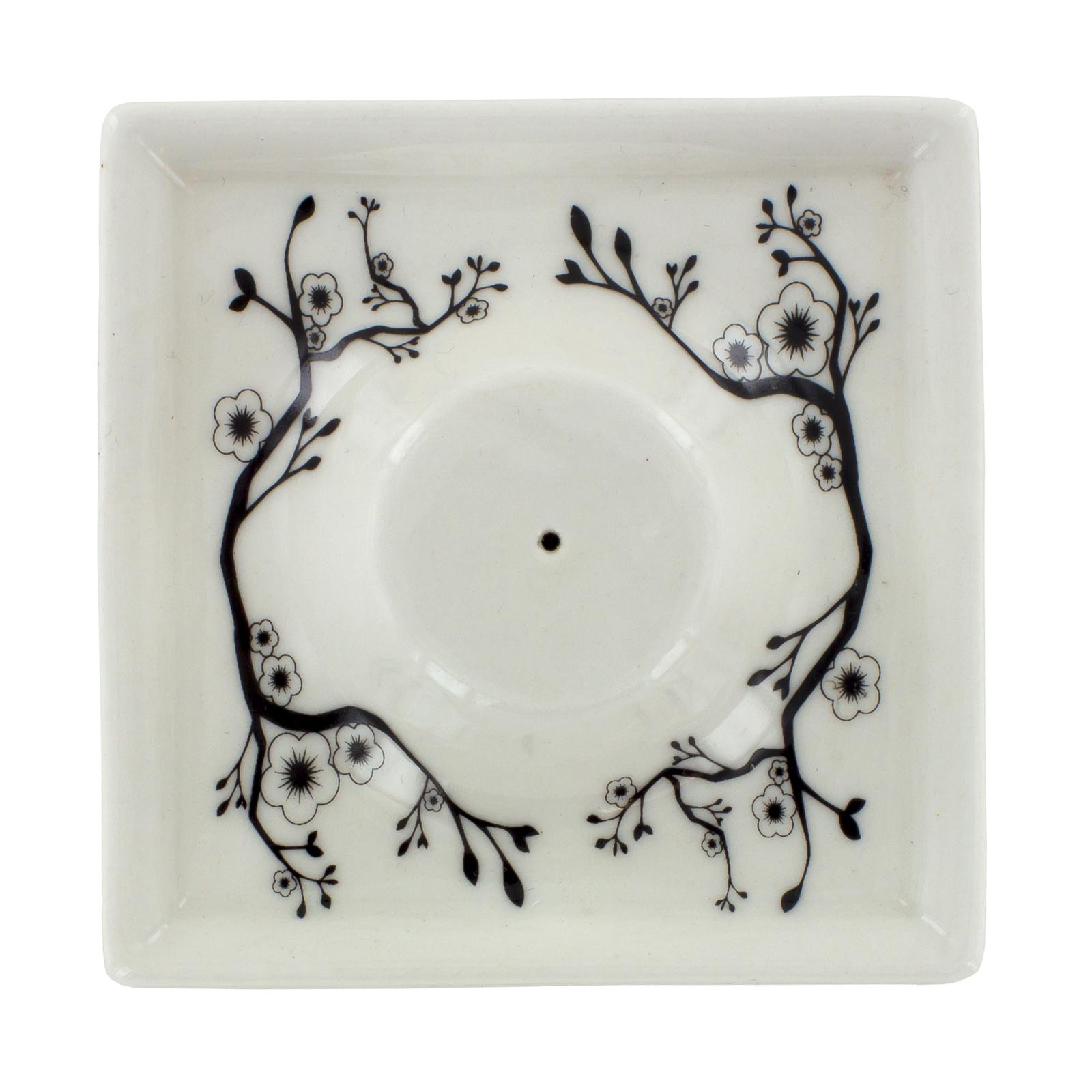 Керамическая пепельница-подставка для благовоний белая (Палочки-благовония)Палочки-благовония<br>Керамическая пепельница-подставка для благовоний белая <br>Подставки для палочек-благовоний декорированы так же, как и линия черно-белых керамических аромаламп Ashleigh &amp; Burwood из серии «Простая керамика»<br>