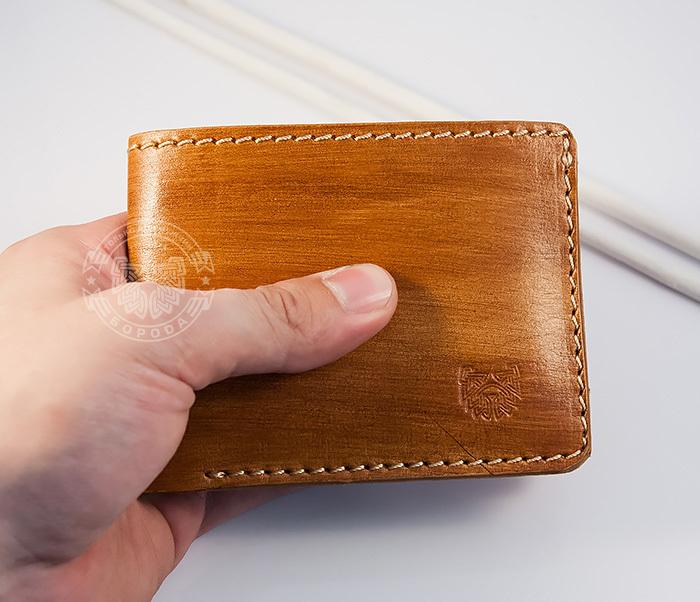 Мужской портмоне из кожи