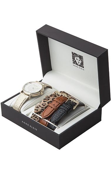 Anne Klein 1068INST - женские наручные часы из коллекции RingAnne Klein<br><br><br>Бренд: Anne Klein<br>Модель: Anne Klein 1068 INST<br>Артикул: 1068INST<br>Вариант артикула: None<br>Коллекция: Ring<br>Подколлекция: None<br>Страна: США<br>Пол: женские<br>Тип механизма: кварцевые<br>Механизм: None<br>Количество камней: None<br>Автоподзавод: None<br>Источник энергии: от батарейки<br>Срок службы элемента питания: None<br>Дисплей: стрелки<br>Цифры: римские<br>Водозащита: WR 30<br>Противоударные: None<br>Материал корпуса: нерж. сталь, PVD покрытие: позолота (полное)<br>Материал браслета: кожа (не указан)<br>Материал безеля: None<br>Стекло: минеральное<br>Антибликовое покрытие: None<br>Цвет корпуса: None<br>Цвет браслета: None<br>Цвет циферблата: None<br>Цвет безеля: None<br>Размеры: None<br>Диаметр: None<br>Диаметр корпуса: None<br>Толщина: None<br>Ширина ремешка: None<br>Вес: None<br>Спорт-функции: None<br>Подсветка: None<br>Вставка: кристаллы Swarovski<br>Отображение даты: None<br>Хронограф: None<br>Таймер: None<br>Термометр: None<br>Хронометр: None<br>GPS: None<br>Радиосинхронизация: None<br>Барометр: None<br>Скелетон: None<br>Дополнительная информация: в комплекте три сменных кожаных ремешка<br>Дополнительные функции: None