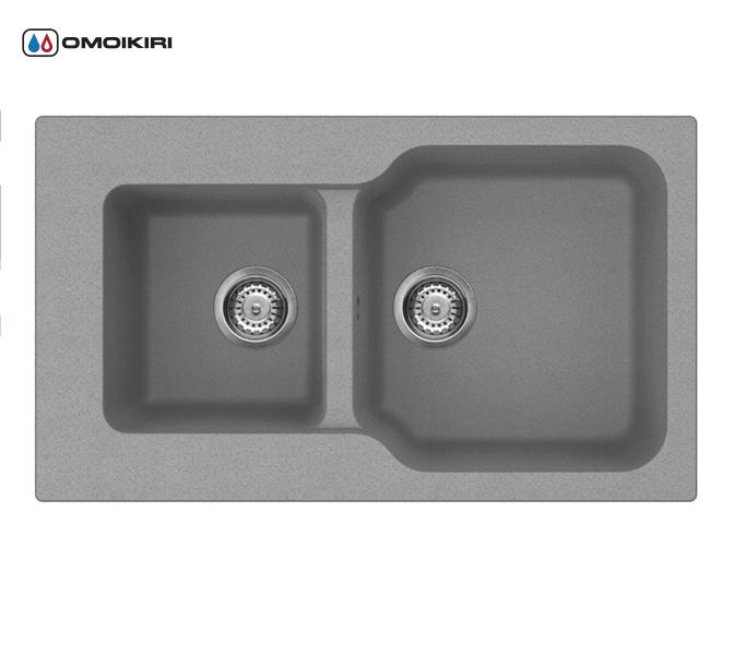 Кухонная мойка из искусственного гранита (Tetogranit) OMOIKIRI Maru 86-2-PL (4993289)Кухонные мойки из искусственного гранита<br>Кухонная мойка из искусственного гранита (Tetogranit) OMOIKIRI Maru 86-2-PL (4993289)<br><br><br><br><br><br>Преимущества моек из Tetogranit<br><br><br><br><br><br><br><br><br>Устойчива к царапинам<br>Устойчива к ударам<br>Не впитывает запахи<br>Не окрашивается от продуктов<br><br><br><br><br>TETOGRANIT на 80% состоят из гранитной крошки и на 20% из акриловой смолы. Кухонные мойки из композитного материала TETOGRANIT, обладают специфическими свойствами и особыми характеристиками. Ему свойственна высокая надежность, однородная структура, а также устойчивость к воздействию различных химических веществ.В состав акриловой смолы входят ионы серебра, которые препятствуют размножению бактерий на поверхности мойки.<br>TETOGRANIT имеет превосходную сопротивляемость к ударам и царапинам.Мойка прослужит долгие годы, сохранив первоначальный вид.<br>Компания OMOIKIRI обладает уникальной инновационной системой производства: T.P.S. (TETOGRANIT Production System).Новая технология была запатентована компанией OMOIKIRI в 2014 году. Данную технологию можно смело считать самой прогрессивной среди производителей продукции из утверждающихся композиционных материалов в кухонном сегменте.<br>Комплектация:<br><br>крепления;<br>донный клапан (автоматический донный клапан приобретается отдельно);<br>сифон.<br><br><br><br><br><br>Руководство по монтажу<br><br><br><br>Официальный сертифицированный продавец OMOIKIRI™<br>