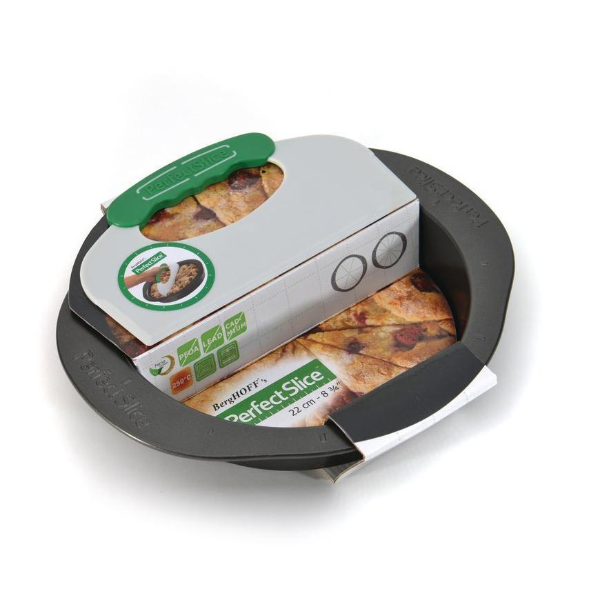 Форма для запекания круглая с инструментом для нарезания 30*27*5см BergHOFF Perfect Slice 1100054Формы для запекания (выпечки)<br>Форма для запекания круглая с инструментом для нарезания 30*27*5см BergHOFF Perfect Slice 1100054<br><br>Уникальная запатентованная линия посуды с разметкой и инструментом для нарезания для контроля за размерами порций. Изготовлена из утолщенной стали, что гарантирует отсутствие деформации. Ручки спроектированы для безопасного и удобного захвата (даже в надетых кухонных рукавицах). Антипригарное покрытие FernoGreen позволяет легко извлекать продукт из формы и не содержит ПФОК, кадмия и свинца. Вы можете сами определить свою порцию, что облегчает контроль за рационом для диабетиков и желающих похудеть. Красиво и равномерно нарезанные кусочки выглядят профессионально. Огромное количество вариантов нарезки: вот лишь некоторые предложения.Мы по-прежнему рекомендуем мыть вручную: получится быстро благодаря антипригарному покрытию и отимально для сохранения его качества. <br>Состав набора:1x круглая форма для выпечки 30 x 27 x 5 cm1x инструмент для нарезания 22,5 x 12,5 x 1 cm<br>Официальный продавец BergHOFF<br>