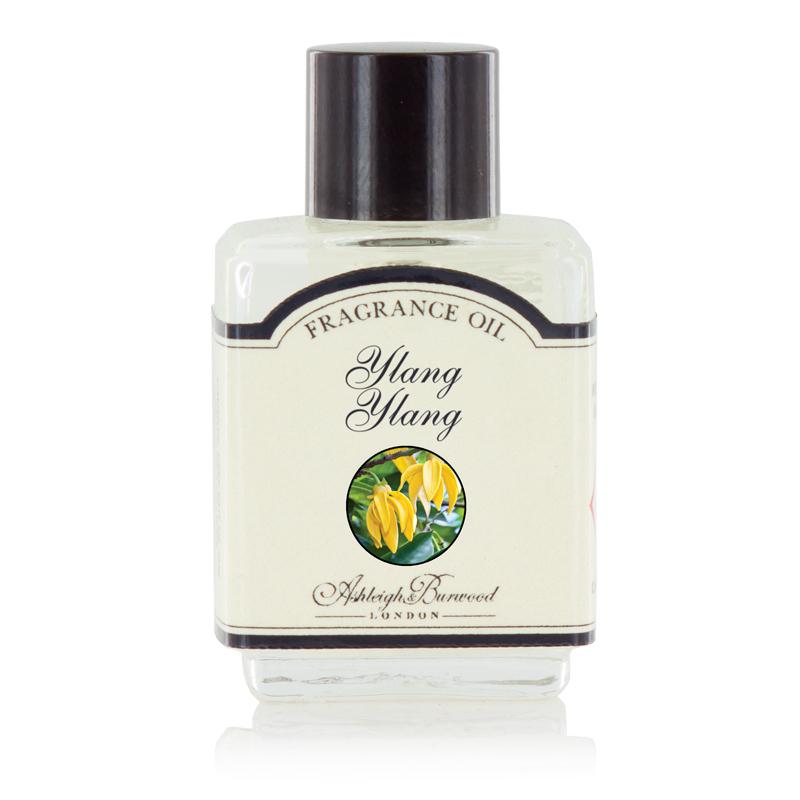 Ароматическое масло Иланг Иланг (Масла для ламп-горелок)Масла для ламп-горелок<br>Сладкий цветочный аромат, в основе которого цитрусовый вихрь насыщенных ноток иланг-иланг.<br><br>Информация по использованию масляных ламп:<br><br>Добавьте несколько капель выбранного вами ароматического масла Ashleigh &amp; Burwood в чашу горелки и добавьте воды.<br>Поставьте невысокую свечку в лампу под чашу горелки.<br>Осторожно зажгите свечку, и пламя нагреет чашу, наполняя комнату прекрасным ароматом.<br><br>Не применяйте масло без добавления воды! Нарушение правил использования может привести к брызгам, задымлению или возгоранию.<br>