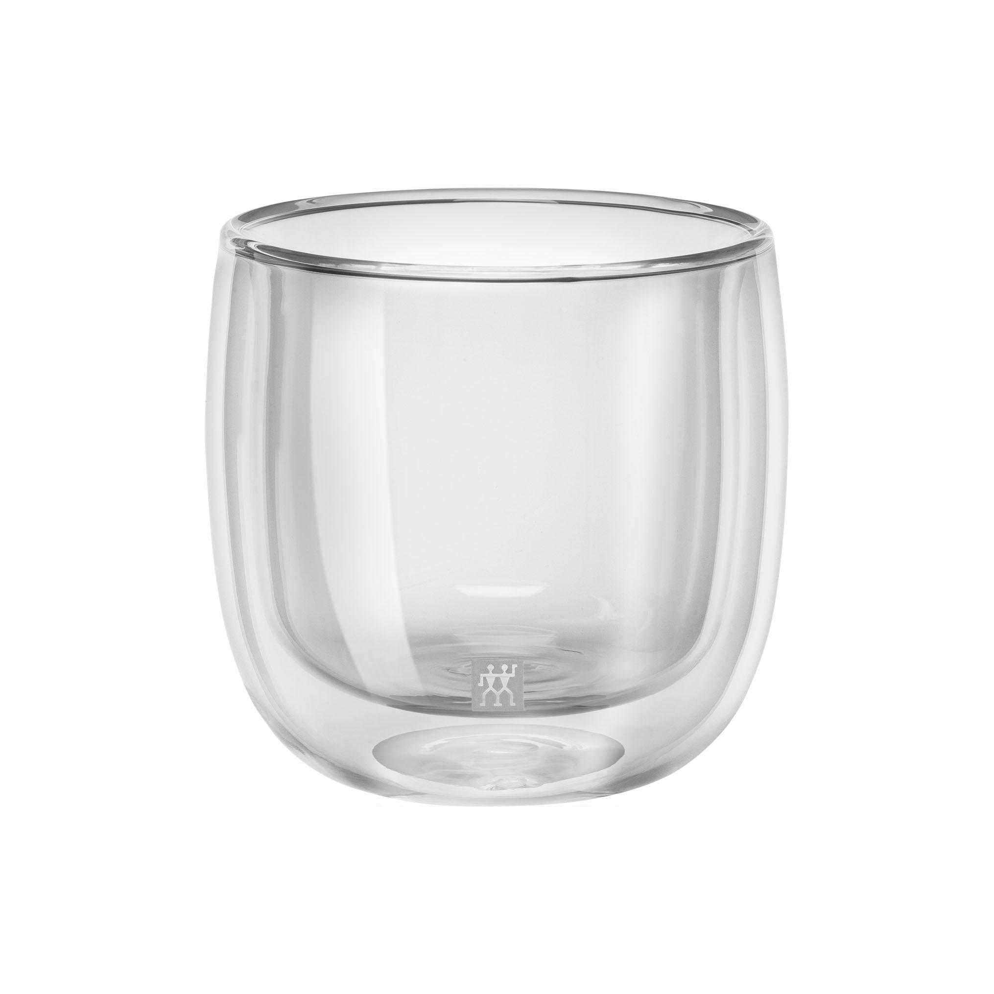 Набор из 2 стаканов для чая 240 мл Zwilling 39500-077Кружки и чашки<br>Набор из 2 стаканов для чая 240 мл Zwilling 39500-077<br><br>Назначение: для чая. Сохраняют горячие напитки горячими и холодные - холодными долгое время. Легкие, прочные и устойчивые.<br>Уход: Мыть рекомендуется вручную теплой водой с применением жидкого моющего средства, вытирать насухо чистыми безворсовыми салфетками. Пригодны для использования в микроволновой печи.<br>