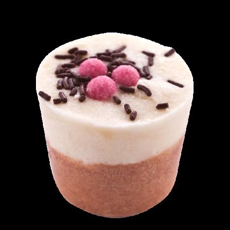 Крем-десерт для ванны Vanille Bourbon / Ванильный Бурбон (Кексы и десерты для ухода за кожей)Кексы и десерты для ухода за кожей<br>Десерт-сливки для 1 или 2 приемов ванны или душа.<br>Коллекция продуктов с маслами какао и ши, которые могут быть использованы как в ванной, так и в душе для невероятно нежной кожи… Угощение для кожи тела с тонким ароматом, которое оставляет ее мягкой и увлажненной.<br>Эти продукты созданы, чтобы успокоить даже самую сухую кожу.<br>Это средство для естественного питания и увлажнения тела изготавливается полностью вручную в ателье Autour Du Bain в Тулузе.<br>Этот продукт с выраженным увлажняющим эффектом может быть использован как при принятии ванны, так и в душе.<br> Во время принятия ванны: дайте ему полностью или частично раствориться (в случае, когда вы достаете из воды, оно перестает растворяться). Кожа не только смягчается, но и глубоко увлажняется.<br>В душе: после использования геля для душа или мыла Autour Du Bain подставьте «кекс» под воду, он начнет пузыриться, нанесите его на кожу и быстро смойте. Кожа увлажняется и обретает шелковистость, как после использования крема для тела. Это позволяет ей сохранять упругость и эластичность в течение 48 часов.<br>Вы почувствуете мгновенное увлажнение!<br>Не употреблять в пищу. Хранить в недоступном для детей месте<br>