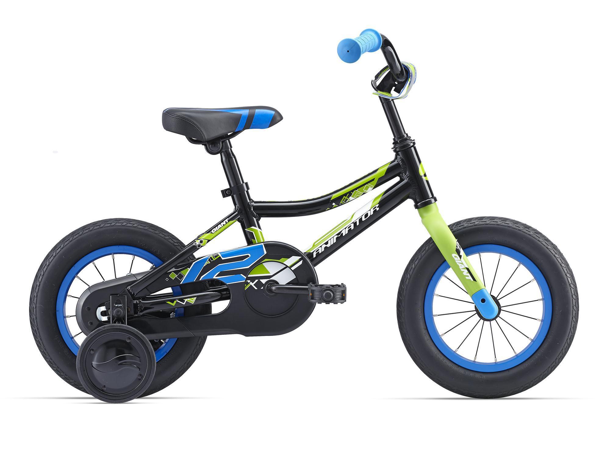 Giant Animator C/B 12 (2016)от 3 лет<br>Самый подходящий спутник для начала велосипедной жизни маленького чемпиона. Giant Animator – это велосипед с колесами размером 12 дюймов. Он очень легкий, поскольку рама сделана из фирменного алюминия ALUXX от Giant (всё как у взрослых), отлично катится и обладает достаточной прочностью, чтобы подходить даже самым отпетым сорванцам.<br>Низкая рама и правильное положение ребенка помогут быстро овладеть навыком езды на двух колесах, а на первое время в комплекте предусмотрены дополнительные колеса. Защита цепи уже стоит на Giant Animator для безопасного использования и чистых штанин.<br>