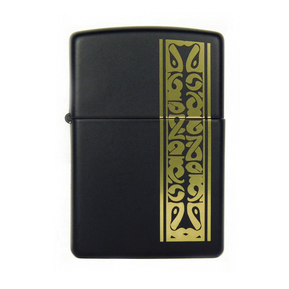 Зажигалка Zippo №218 Black/brassЗажигалки<br>• Упакована в коробку созданную из экологически чистых материалов.• Пожизненная гарантия.• Рекомендуем заправлять только первоклассным топливом Zippo.<br>