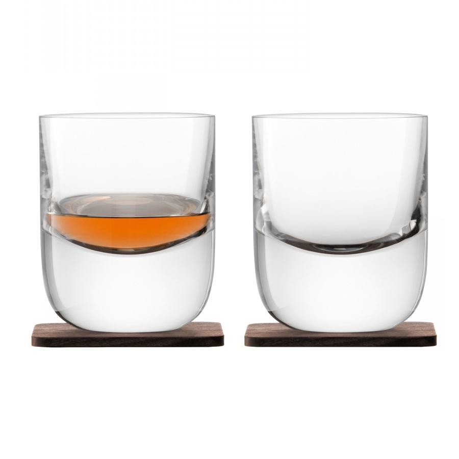 Стакан Renfrew Whisky с деревянной подставкой  2 шт. LSA G1211-09-301Бокалы и стаканы<br>Коллекция Whisky от LSA International — это собрание вековых традиции Шотландии в сочетании с современным дизайном. Декантер был создан мастерами с учетом старинного искусства дистилляции виски. Утолщенное дно и подставка их ореха ручной работы навевает мысли об основательности и долгой выдержке благородного напитка в деревянных бочках. Декантер упакован в красивую подарочную коробку и станет украшением любого бара.<br>