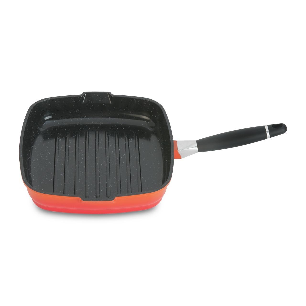 Сковорода-гриль 24см 3л BergHOFF Virgo Orange 2304911Сковороды<br>Сковорода-гриль 24см 3л BergHOFF Virgo Orange 2304911<br><br>Линия Virgo представлена в стильном белом, ярком оранжевом и импозантном темном: соберите набор из одного цвета в пользу единства на вашей кухне или отважьтесь на комбинацию светлого с темным. В идентичном дизайне выполнена и версия из нержавеющей стали. Прочная и простая в использовании посуда с быстрым и равномерным распределением тепла. Рельефное дно не позволяет пище кипеть в своих собственных жирах и подрумянивает типичными для гриля полосками. <br>Эргономичная длинная ручка не нагревается на плите. Ручка снимается для удобного хранения. Эта линия кастрюль и сковород характеризуется элегантно сформированным корпусом, красиво контрастирующим с черными ненагревающимися ручками. Многослойное и армированное, свободное от ПФОК антипригарное покрытие для удобного извлечения пищи и легкой чистки. Не содержит ни свинца, ни кадмия. Носики, по одному с каждой стороны, для аккуратного слива.<br>Официальный продавец BergHOFF<br>