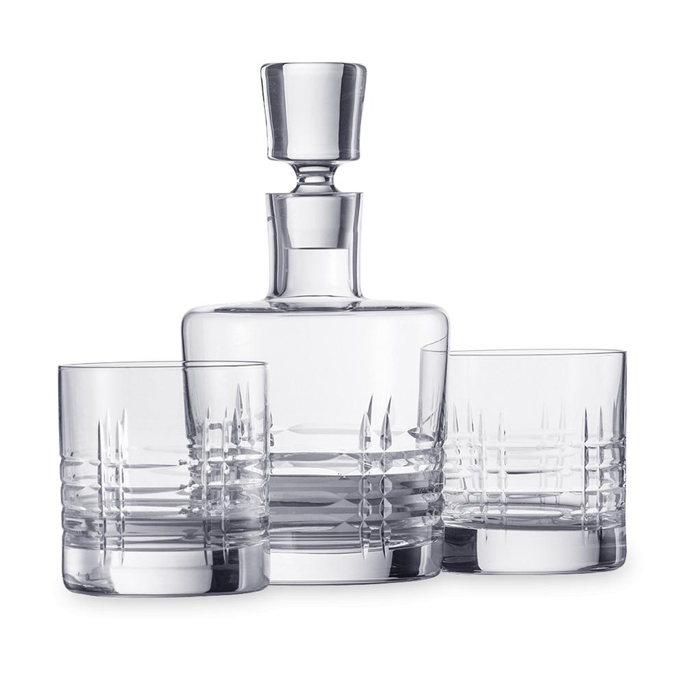 Набор для виски (2 стакана и графин) SCHOTT ZWIESEL Basic Bar Classic арт. 120 143Бокалы и стаканы<br>Набор для виски (2 стакана и графин) SCHOTT ZWIESEL Basic Bar Classic арт. 120 143<br><br>вид упаковки: подарочнаявысота (см): 21.5диаметр (см): 11.8материал: хрустальное стеклоназначение: для вискиобъем (мл): 750предметов в наборе (штук): 3страна: Германия<br>Официальный продавец SCHOTT ZWIESEL<br>