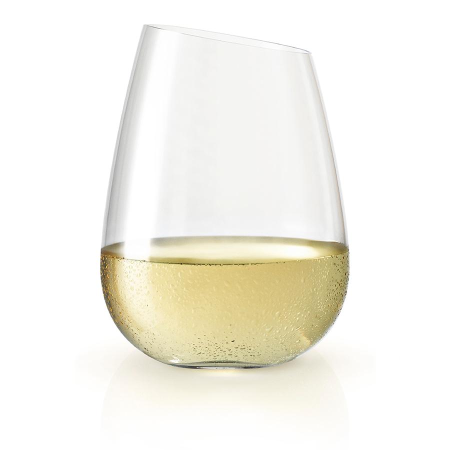 Стакан 380 мл Eva Solo 541040Бокалы и стаканы<br>Стакан 380 мл Eva Solo 541040<br><br>Легендарная скошенная форма бокалов для вина нашла продолжение в стаканах Eva Solo. Благодаря утончённой современной форме бокалы подойдут и для торжественной сервировки, и для домашнего ужина. Используйте стаканы для воды, соков и смузи, коктейлей, а также для десертов или гранолы на завтрак. <br>Стаканы легко чистить, так как они подходят для мытья в посудомоечной машине при настройке программы для деликатного мытья.<br>