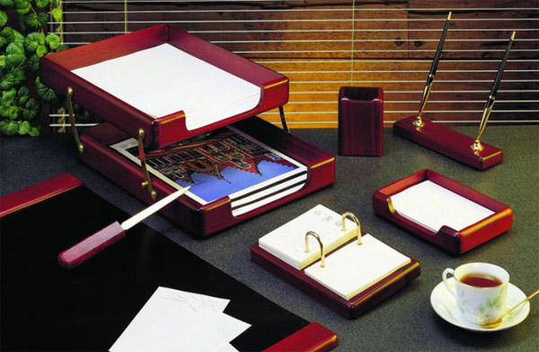 подставки или папки в наборе руководителя