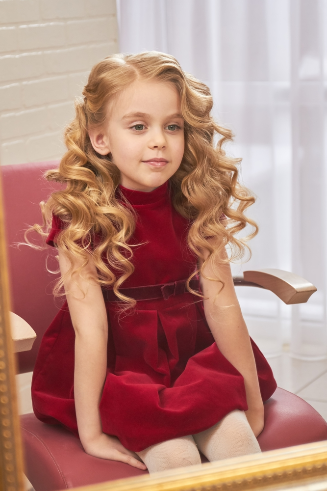 Прическа на длинные волосы для девочки 1 сентября HAIRJAZZ