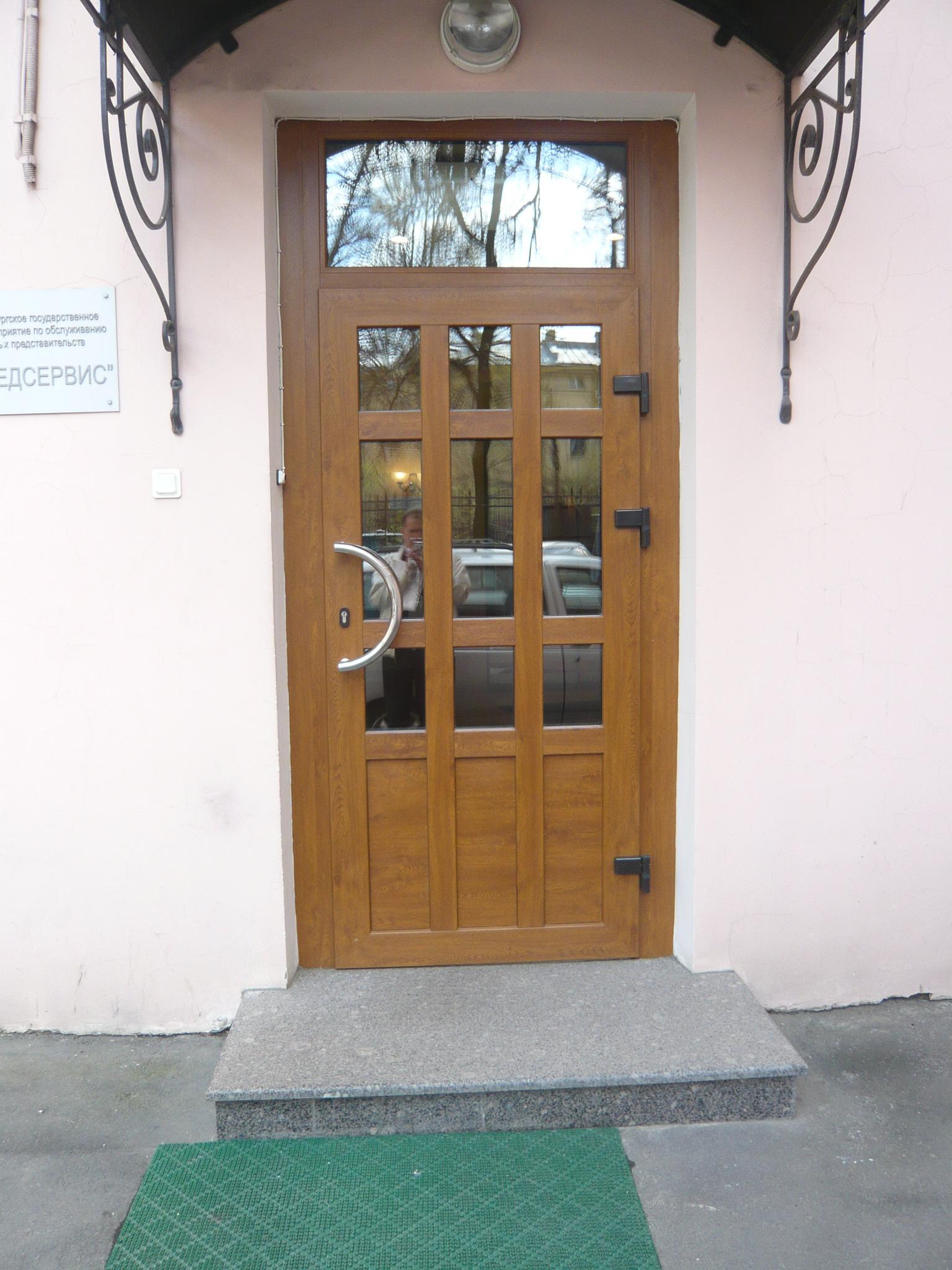 металлопластиковая__дверь_Кутузова_д.34.JPG