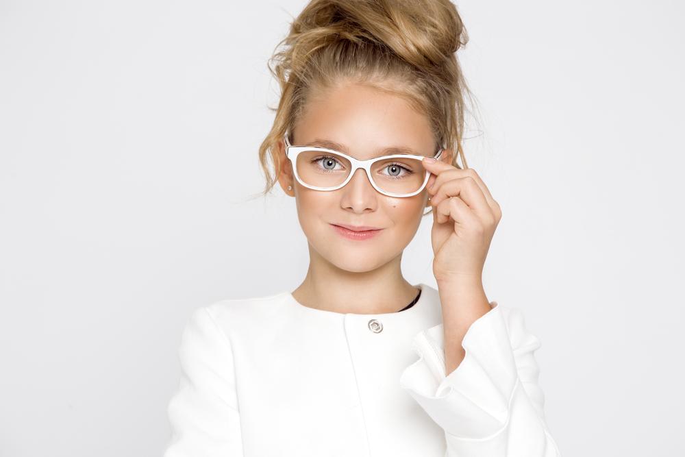 Прическа для девочки на длинные волосы постарше 1 сентября HAIRJAZZ