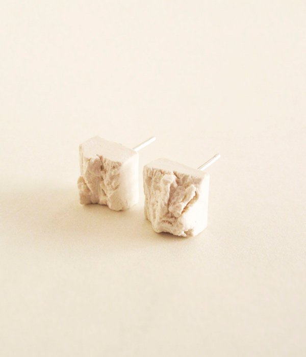 Серьги-Teirra-White-от-бренда-DSNU-2.jpg