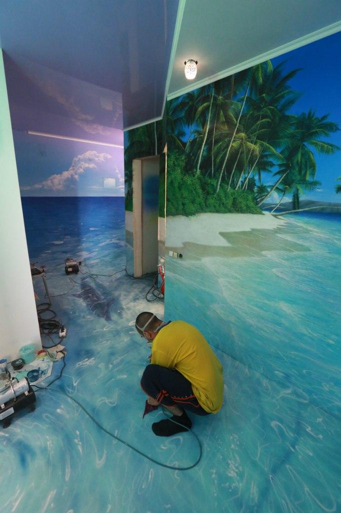 водные краски рисунок на полу и стене