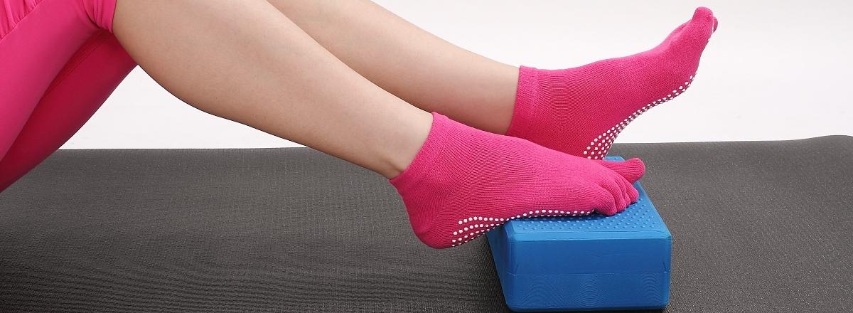 Yogatops - нескользящие носочки №1 в России. Более 35 видов