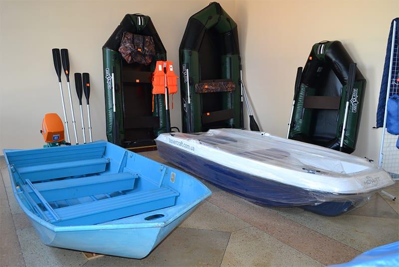 """Резиновые и корпусные лодки в магазине """"Рыбалка и Туризм"""""""