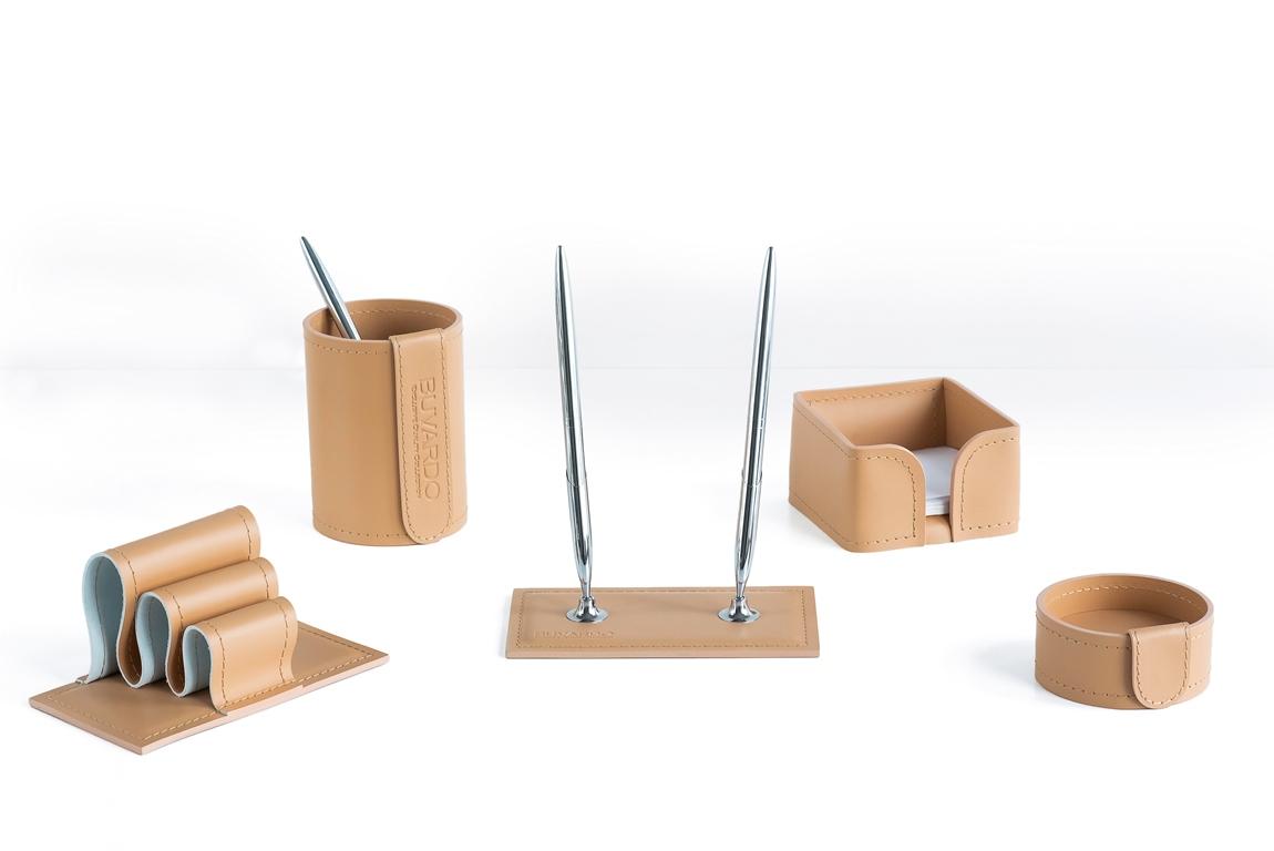 Офисный набор из кожи на стол из бежевой натуральной кожи buvardo vipnabor