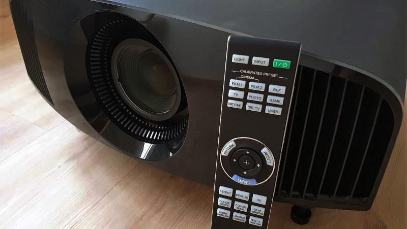 Проектор 4K Sony VPL-VW270ES