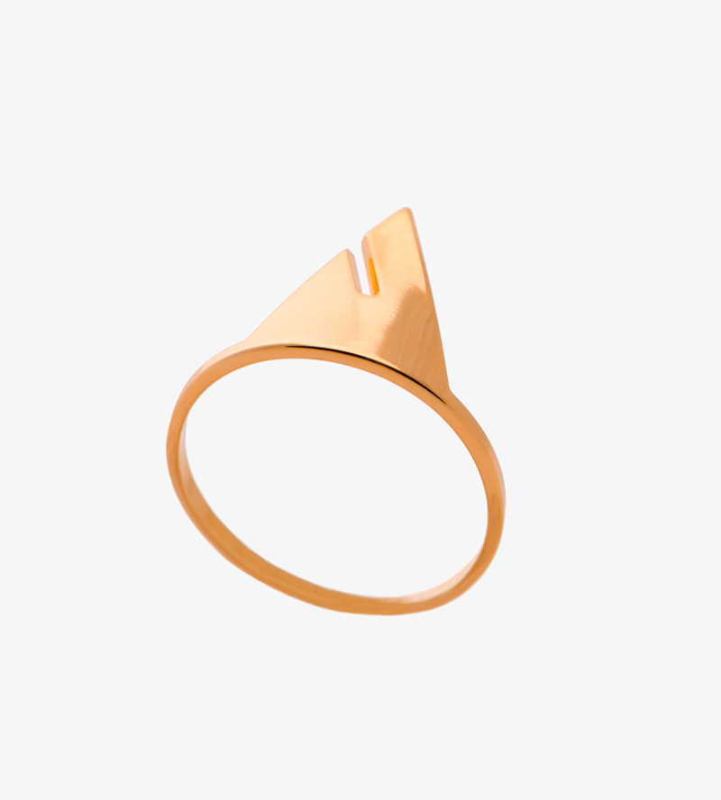 Кольцо-Triangle-от-бренда-Anne-Thomas.jpg