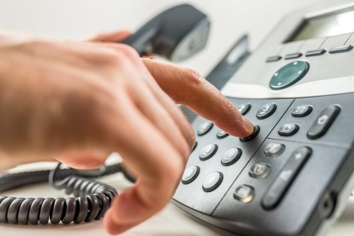 Пожаловаться на работодателя в Роструд сотрудник может даже по телефону