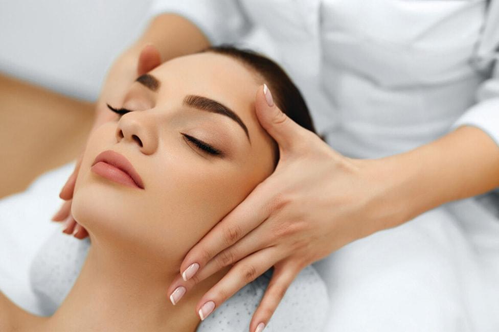 Косметический массаж кожи головы