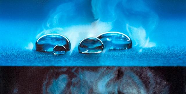 Дышащие и водонепроницаемые свойства мембранных комбинезонов Molo