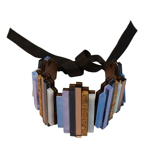 эффектный браслет от английского бренда Wolf&Moon - Ripple bracelet Lavender Blue