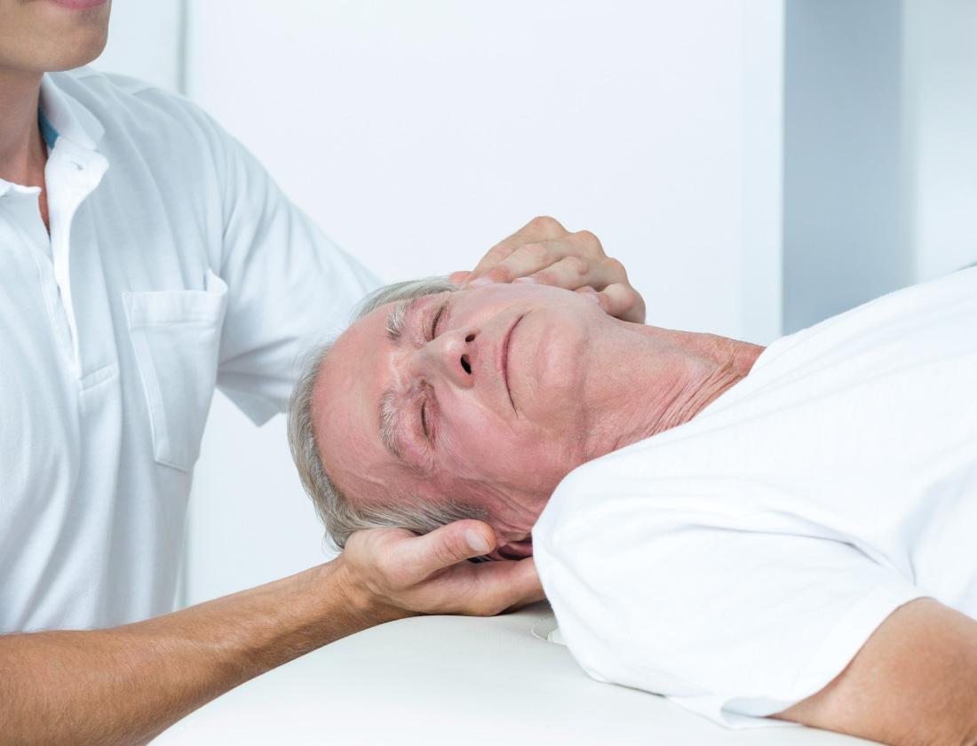 массаж головы. фотография