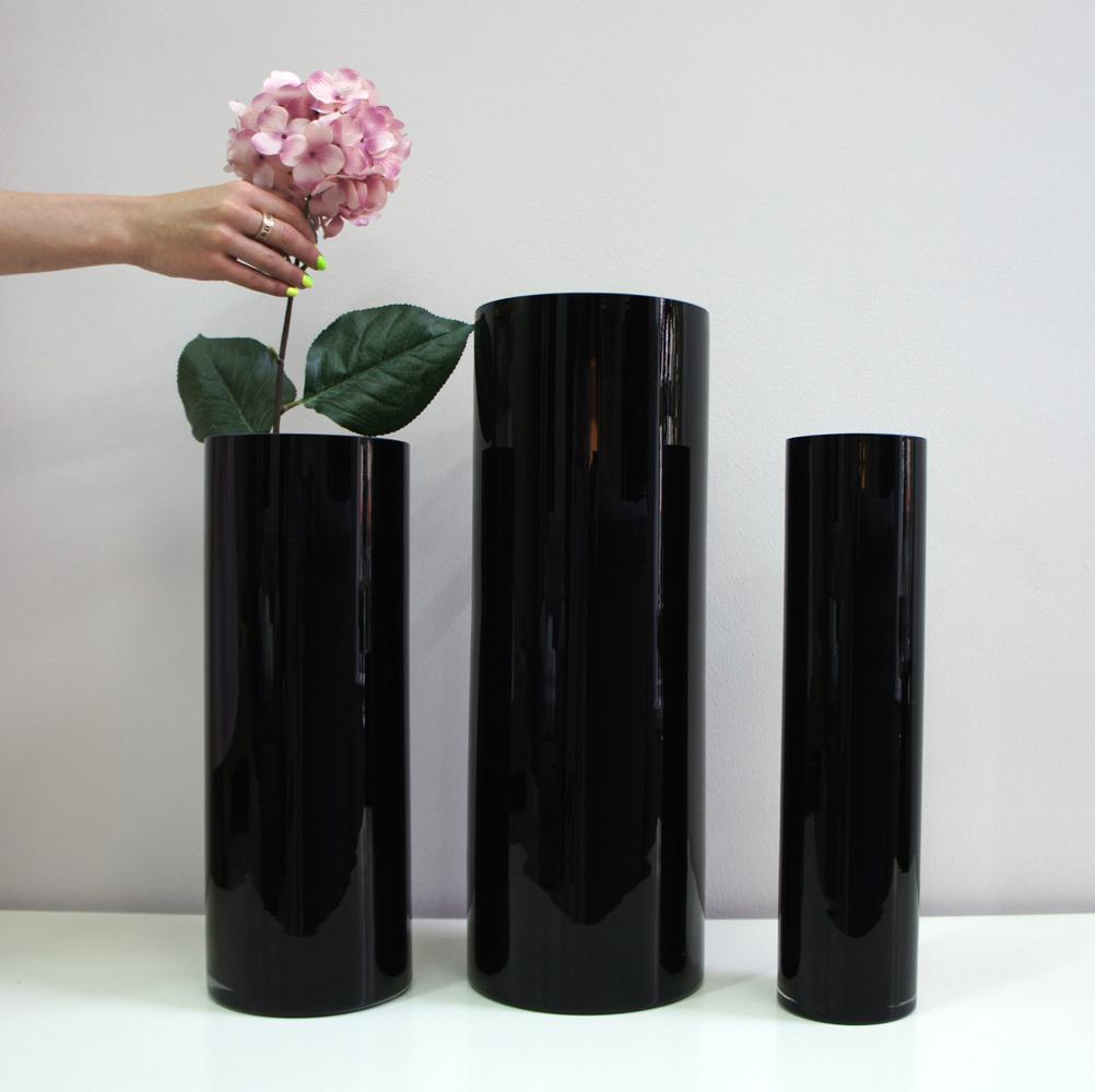 вазы черные цилиндры