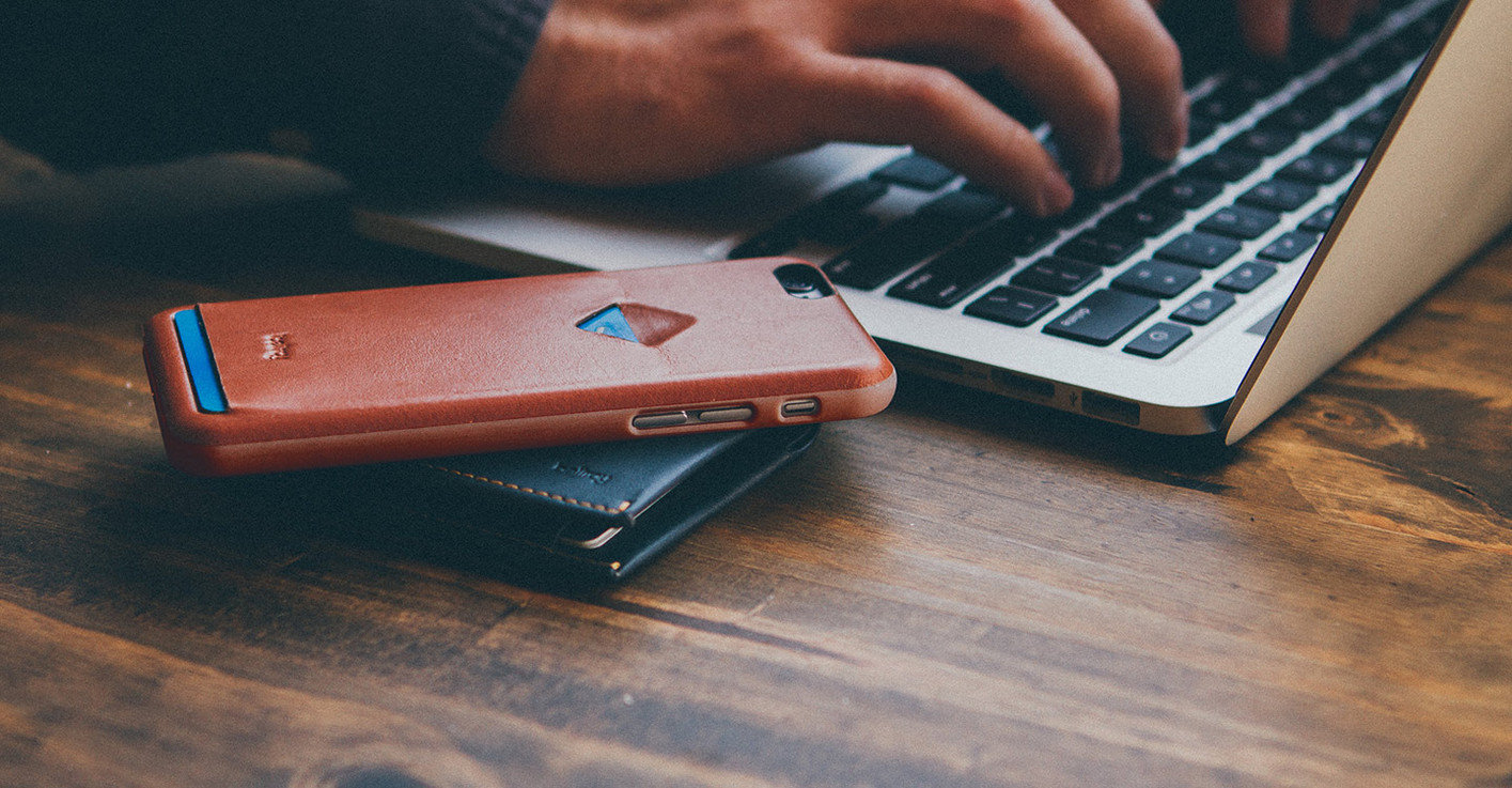 iphone_case_1_bellroy_lifestyle.jpg