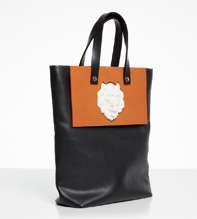 Сумка-шоппер-Lion-Bag-Black-от-Andres-Gallardo-сбоку.jpg