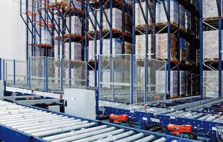 Автоматизированный складской модуль с конвейерной подачей грузов