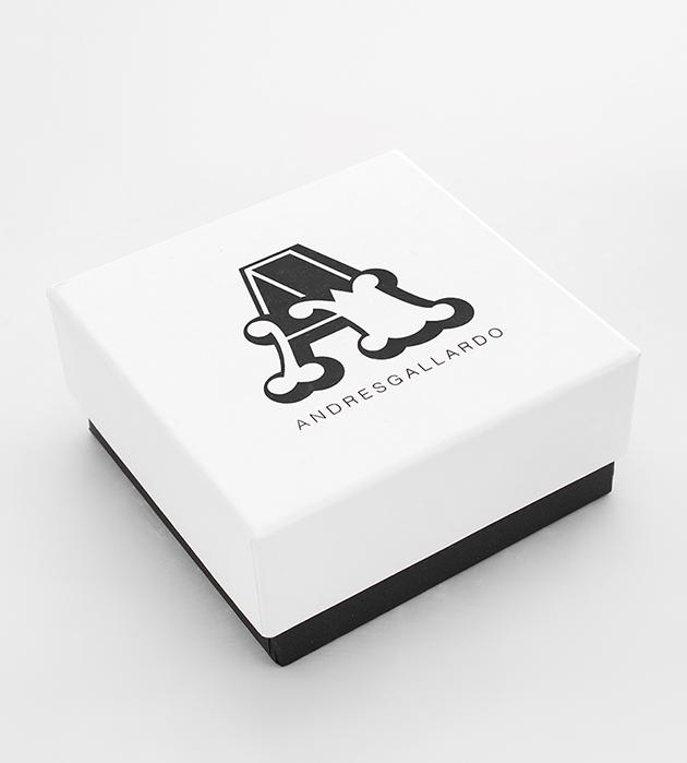 купите моносерьга из фарфора Flower Pyramid White от ANDRES GALLARDO