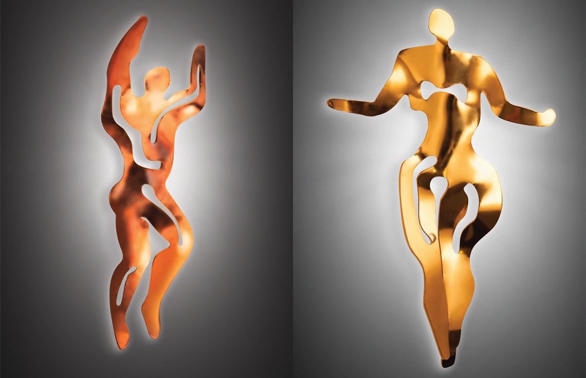 Еще одна интересная коллекция из золота была предложена великобританским дизайнером Nigel Coates. Совместно с компанией Slamp один из самых оригинальных мыслителей промышленного дизайна создал серию ILLUMINATI. В собственном современном стиле дизайнер переосмыслил символы предков и создал светильники для наиболее интимных мест в доме.