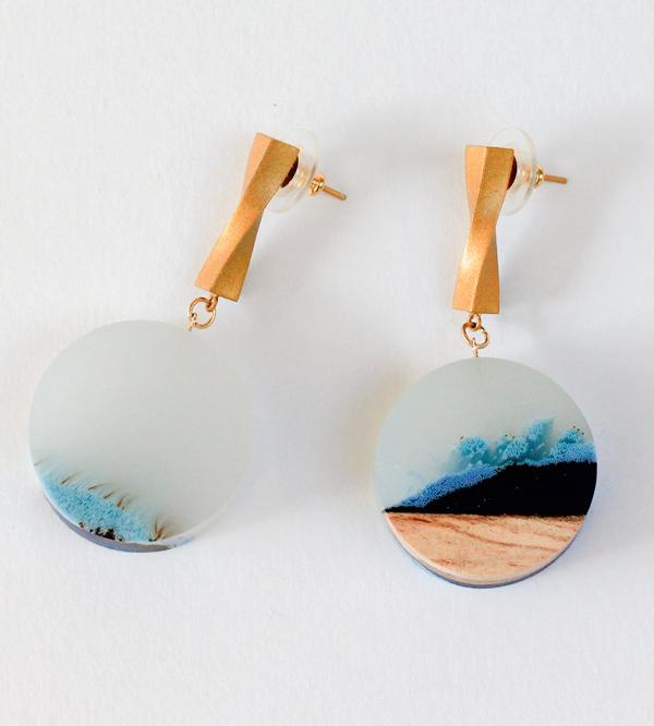 Серьги-Fjord-White-от-дизайнер-Ejing-Zhang.jpg