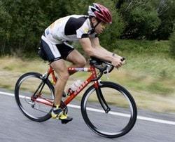 Посадка на шоссейном велосипеде