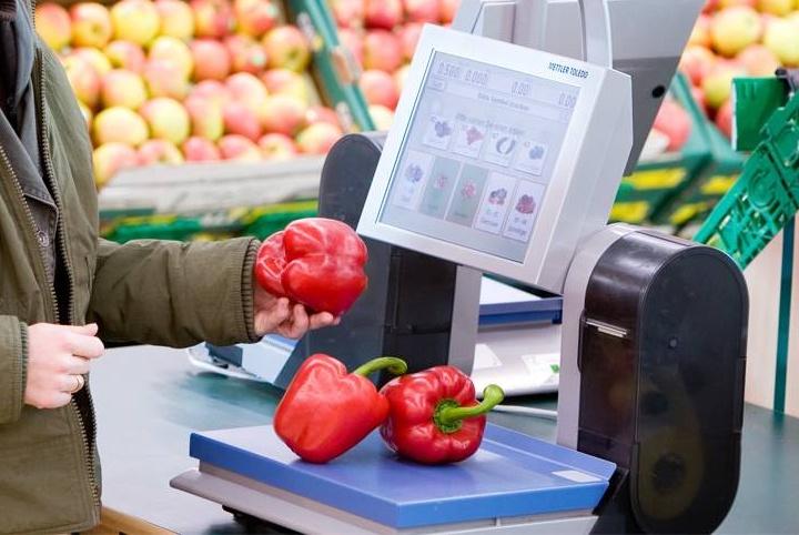 Весы с принтером этикеток переносят ответственность за взвешивание на самого покупателя