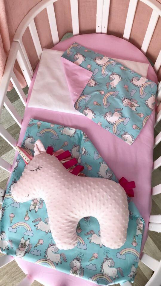 Комплект постельного белья в овальную кроватку для девочки
