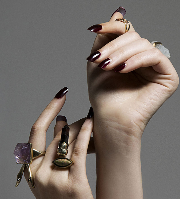 кольцо золотого цвета с натуральными камнями Surreal Isi Ring от MAVA HAZE