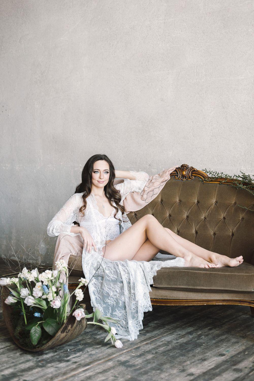 Белый кружевной халат для фотосессии утра невесты