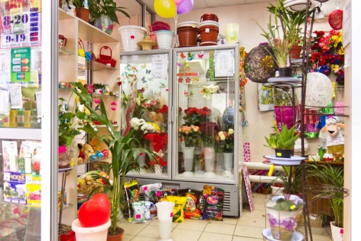 В магазине цветов должно оставаться место для свободного прохода посетителей