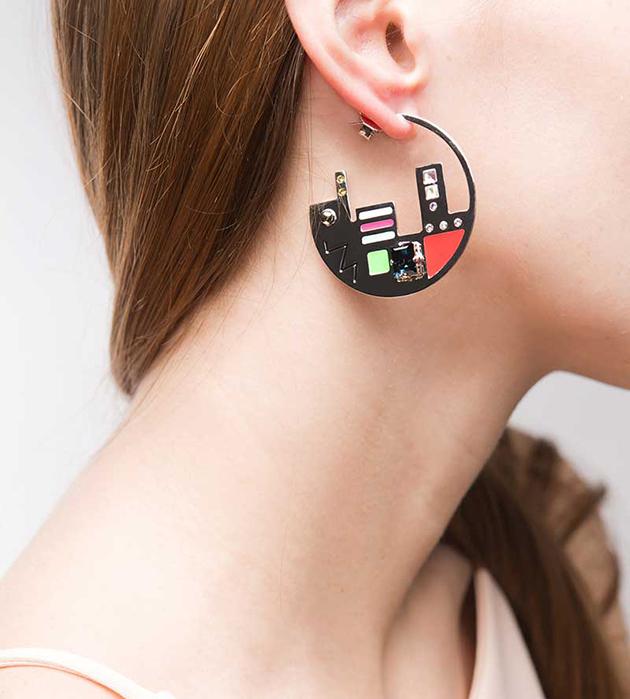 необычные серьги-кольца от Maria Francesca Pepe - Map Plaque Silver hoops