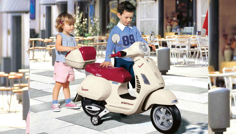 Детский электромотоцикл Peg Perego Vespa MC0019