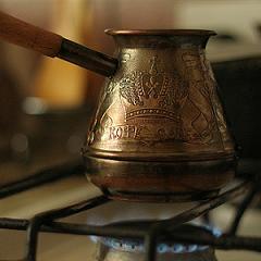 Приготтовим черный кофе в турке